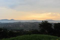 frueher-morgen-in-kampala-naehe-j-m-hotel